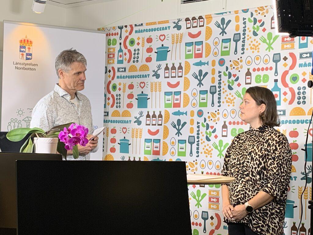 Anna Modig, enhetschef Djurskydd på Länsstyrelsen och moderator Ola Granholm från Tillväxt och tillsyn